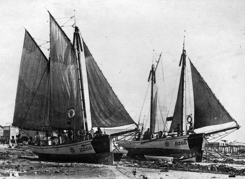 The luggers Moa & Princess Mary were owned by Aarons & Davis